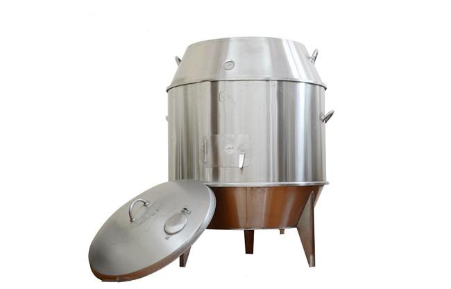 Chất liệu lò làm từ inox 304 sáng bóng, bền bỉ